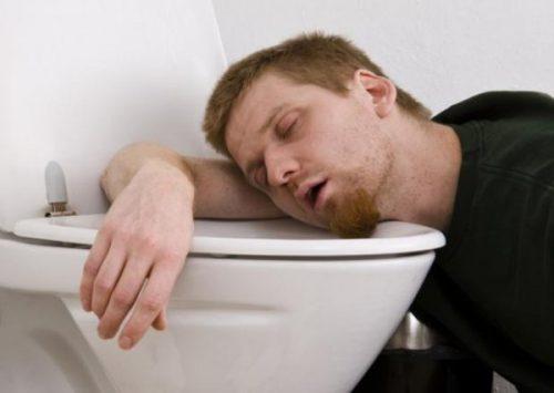 Рвота по утрам у мужчин: клиническая картина и диагностика